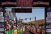 /images/133/2009-10-25-soma-run-120177.jpg - #07768: 05:56:12 Runners finishing at Soma Triathlon … October 25, 2009 -- Tempe Town Lake, Tempe, Arizona