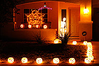 /images/133/2009-11-01-chandler-halloween-120704.jpg - #07827: Halloween in Chandler … October 2009 -- Chandler, Arizona