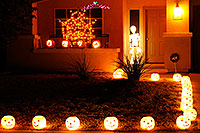 /images/133/2009-11-01-chandler-halloween-120709.jpg - #07828: Halloween in Chandler … October 2009 -- Chandler, Arizona