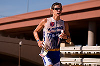 /images/133/2009-11-22-ironman-run-pro-126554.jpg - #08000: 06:10:11 #18 running - Ironman Arizona 2009 … November 2009 -- Tempe Town Lake, Tempe, Arizona