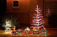 /images/133/2009-12-10-chandler-houses-127191.jpg - #08016: Christmas decorations in Chandler … December 2009 -- Chandler, Arizona