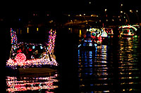 /images/133/2009-12-12-tempe-aps-lights-128402.jpg - #08029: Boats at APS Fantasy of Lights Boat Parade … December 2009 -- Tempe Town Lake, Tempe, Arizona