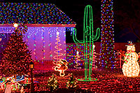 /images/133/2009-12-27-chandler-christmas-131218.jpg - #08077: Christmas decorations in Chandler … December 2009 -- Chandler, Arizona