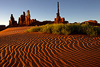 /images/133/2010-09-03-monvalley-sunri-sand-29560.jpg - #08561: Images of Monument Valley … September 2010 -- Monument Valley, Utah