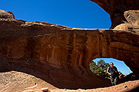 /images/133/2010-09-11-arches-doubleo-33178.jpg - #08703: People at Double O Arch in Arches National Park … September 2010 -- Double O Arch, Arches Park, Utah
