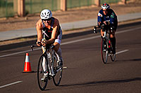 /images/133/2010-11-21-ironman-bike-44113.jpg - #08948: 01:39:35 - #185 cycling - Ironman Arizona 2010 … November 2010 -- Rio Salado Parkway, Tempe, Arizona