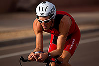 /images/133/2010-11-21-ironman-pro-bike-44615.jpg - #08987: 02:33:15 - #32 Trevo Wurtele [DNF run,CAN] early in Lap 2 - Ironman Arizona 2010 … November 2010 -- Rio Salado Parkway, Tempe, Arizona