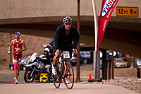 /images/133/2010-11-21-ironman-run-pros-45677.jpg - #09005: 03:57:26 - #1 Jordan Rapp in second position - Ironman Arizona 2010 … November 2010 -- Tempe Town Lake, Tempe, Arizona