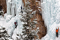 /images/133/2011-01-09-ouray-climbers-48298.jpg - #09127: Ice climbing by Ouray … January 2011 -- Ouray, Colorado