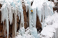 /images/133/2011-01-09-ouray-climbers-48311.jpg - #09128: Ice climbing by Ouray … January 2011 -- Ouray, Colorado