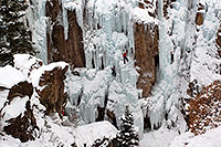 /images/133/2011-01-09-ouray-climbers-48429.jpg - #09038: Ice climbing by Ouray … January 2011 -- Ouray, Colorado