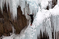 /images/133/2011-01-09-ouray-climbers-48522.jpg - #09135: Ice climbing by Ouray … January 2011 -- Ouray, Colorado