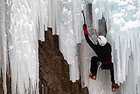 /images/133/2011-01-09-ouray-climbers-48529.jpg - #09136: Ice climbing by Ouray … January 2011 -- Ouray, Colorado