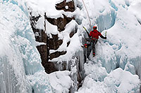 /images/133/2011-01-09-ouray-climbers-48741.jpg - #09143: Ice climbing by Ouray … January 2011 -- Ouray, Colorado