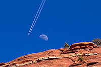 /images/133/2011-03-13-sedona-moon-plane-57406.jpg - #09170: Plane flying near the moon and making tracks in Sedona … March 2011 -- Sedona, Arizona