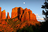 /images/133/2011-08-10-sedona-cathedral-90235.jpg - #09470: Cathedral Rock in Sedona … August 2011 -- Cathedral Rock, Sedona, Arizona