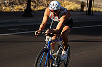 /images/133/2011-09-25-nathan-bike-100012.jpg - #09602: 01:08:38 #900 cycling at Nathan Triathlon 2011 … September 2011 -- Rio Salado Parkway, Tempe, Arizona