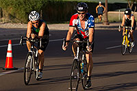 /images/133/2011-09-25-nathan-bike-99547.jpg - #09606: 00:45:53 #552 and #106 and others cycling at Nathan Triathlon 2011 … September 2011 -- Rio Salado Parkway, Tempe, Arizona