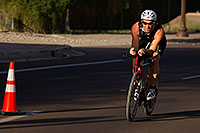 /images/133/2011-09-25-nathan-bike-99736.jpg - #09607: 01:00:03 #980 and others cycling at Nathan Triathlon 2011 … September 2011 -- Rio Salado Parkway, Tempe, Arizona