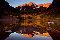 /images/133/2011-09-30-maroon-reflection-102307.jpg - #09587: Morning reflection of Maroon Bells in Colorado … September 2011 -- Maroon Bells, Colorado