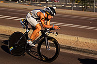 /images/133/2011-11-20-ironman-bike-pros-122105.jpg - #09829: 02:18:02 - #54 Sebastian Kienle [DEU] (eventual 6th place in 08:19:29) at start of Lap 2 - Ironman Arizona 2011 … November 2011 -- Rio Salado Parkway, Tempe, Arizona