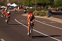 /images/133/2011-11-20-ironman-bike-pros-122198.jpg - #09835: 02:26:11 - #1 Jordan Rapp (2009 winner here) at start of Lap 2 - Ironman Arizona 2011 … November 2011 -- Rio Salado Parkway, Tempe, Arizona
