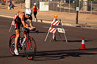 /images/133/2011-11-20-ironman-bike-pros-122373.jpg - #09844: 02:42:21 - #89 Donna Phelan [CAN] (eventually DNF run) at start of Lap 2 - Ironman Arizona 2011 … November 2011 -- Rio Salado Parkway, Tempe, Arizona