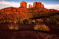 /images/133/2012-05-06-sedona-cathed-top-1ds3_0665.jpg - #10231: View of Cathedral Rock in Sedona … May 2012 -- Schnebly Hill, Sedona, Arizona