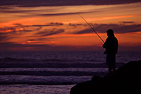 /images/133/2012-12-28-ca-carlsbad-sunset-12562.jpg - #10604: Fishing at sunset by Carlsbad, California … December 2012 -- Carlsbad, California