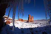 /images/133/2013-12-11-arches-courthice-1dx_2455.jpg - #11391: Icicles and Courthouse Towers in Arches National Park … December 2013 -- Courthouse Towers, Arches Park, Utah