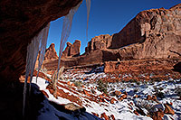 /images/133/2013-12-22-arches-park-ice-1-1dx_7870.jpg - #11434: Park Avenue in Arches National Park … December 2013 -- Park Avenue, Arches Park, Utah