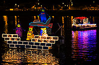 /images/133/2014-12-13-tempe-boats-1dx_8425.jpg - APS Lights Boat Parade 2014