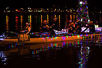 /images/133/2014-12-13-tempe-boats-1dx_9799.jpg - #12419: APS Fantasy of Lights Boat Parade … December 2014 -- Tempe Town Lake, Tempe, Arizona