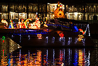 /images/133/2014-12-13-tempe-boats-1x_11377.jpg - #12427: APS Fantasy of Lights Boat Parade … December 2014 -- Tempe Town Lake, Tempe, Arizona