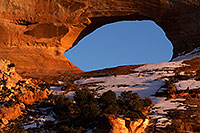 /images/133/2015-01-09-wilson-arch-1dx_1306.jpg - #12462: Evening at Wilson Arch .. January 2015 -- Wilson Arch, Utah