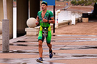 /images/133/2015-11-15-ironman-run-6d_5398.jpg - #12800: #11 Lionel Sanders [1st,CAN,07:58:22] running for eventual win at Ironman Arizona 2015 … November 2015 -- Tempe Town Lake, Tempe, Arizona