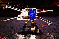 /images/133/2015-12-12-tempe-aps-lights-1dx_02451.jpg - #12876: APS Fantasy of Lights Boat Parade … December 2015 -- Tempe Town Lake, Tempe, Arizona