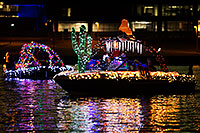 /images/133/2015-12-12-tempe-aps-lights-1dx_03228.jpg - #12892: APS Fantasy of Lights Boat Parade … December 2015 -- Tempe Town Lake, Tempe, Arizona