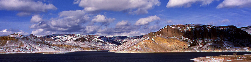 /images/500/2000-12-phx-tor-gunn-lk4-sp.jpg - #00728: lake by Gunnison … Phoenix-Toronto 3,500 mile snow-camping trip … Dec 2000 -- Morrow Point Reservoir, Gunnison, Colorado