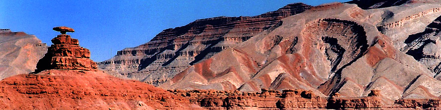 /images/500/2002-06-mexican-hat-mon-sp.jpg - #00976: Mexican Hat rock formation … June 2002 -- Mexican Hat, Utah