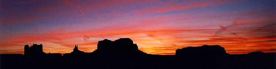 /images/500/2003-12-monvalley-sunset1-sp.jpg - #01416: Monument Valley … Dec 2003 -- Monument Valley, Utah