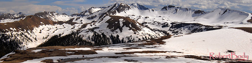 /images/500/2007-06-03-indep-peaks02-sp.jpg - #03885: view of the road and parking lot of Independence Pass at 12,095 ft and Independence Mountain at 12,703 ft … June 2007 -- Independence Mountain, Independence Pass, Colorado