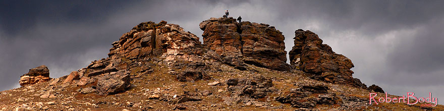 /images/500/2007-09-03-rm-rock-1439-sp.jpg - #04640: People on top of rocks at Rock Cut (12,145 ft), along Trail Ridge Road … Sept 2007 -- Rock Cut, Rocky Mountain National Park, Colorado