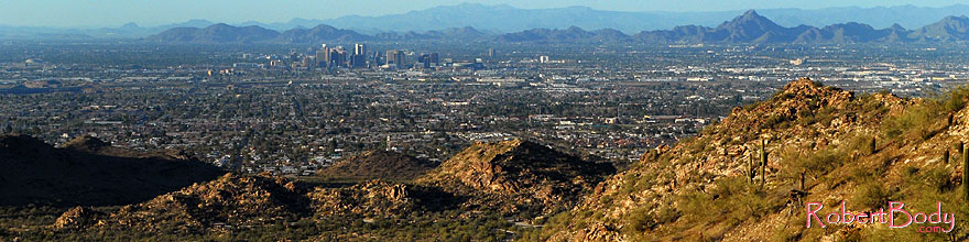 /images/500/2008-03-14-southm-4134sp.jpg - #04947: View North at Phoenix from South Mountain … March 2008 -- South Mountain, Phoenix, Arizona