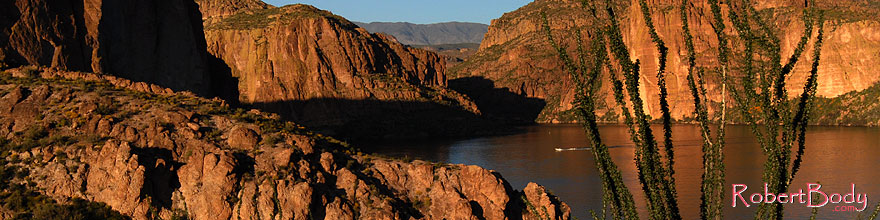 /images/500/2008-03-21-sup-can-5269sp.jpg - #04997: Canyon Lake in Superstitions … March 2008 -- Canyon Lake, Superstitions, Arizona
