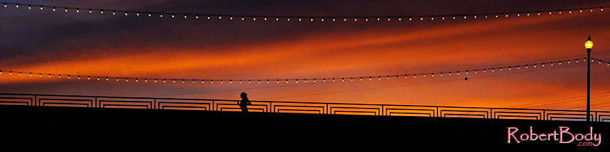/images/500/2008-11-12-tempe-bridge-46264sp.jpg - #06029: Runner at sunset on Mill Road bridge over Tempe Town Lake … November 2008 -- Tempe Town Lake, Tempe, Arizona