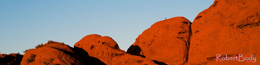 /images/500/2008-12-05-papago-view-top-60156sp.jpg - #06405: Hiker on top of Buttes of Papago Park … December 2008 -- Papago Park, Phoenix, Arizona