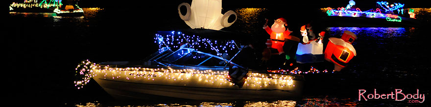 /images/500/2008-12-13-tempe-lights-boats-62709sp.jpg - #06471: Boat #27 - APS Fantasy of Lights Boat Parade … December 2008 -- Tempe Town Lake, Tempe, Arizona