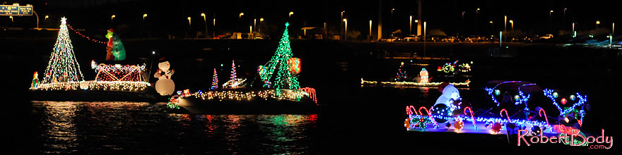 /images/500/2008-12-13-tempe-lights-boats-62877sp.jpg - #06427: Boat #25 - APS Fantasy of Lights Boat Parade … December 2008 -- Tempe Town Lake, Tempe, Arizona