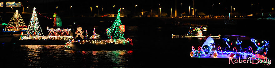 /images/500/2008-12-13-tempe-lights-boats-62880sp.jpg - #06480: Boat #25 - APS Fantasy of Lights Boat Parade … December 2008 -- Tempe Town Lake, Tempe, Arizona